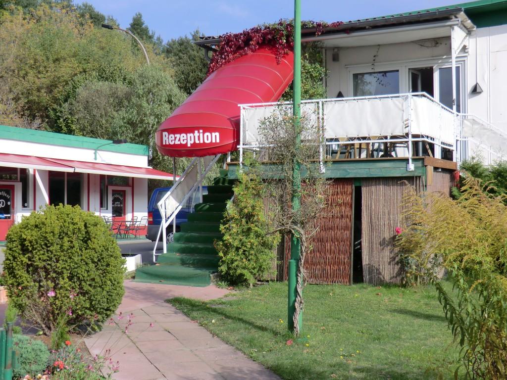 campingplatz f r wohnmobile wohnwagen und zelte mit hotel in berlin i galerie citycamp s d. Black Bedroom Furniture Sets. Home Design Ideas