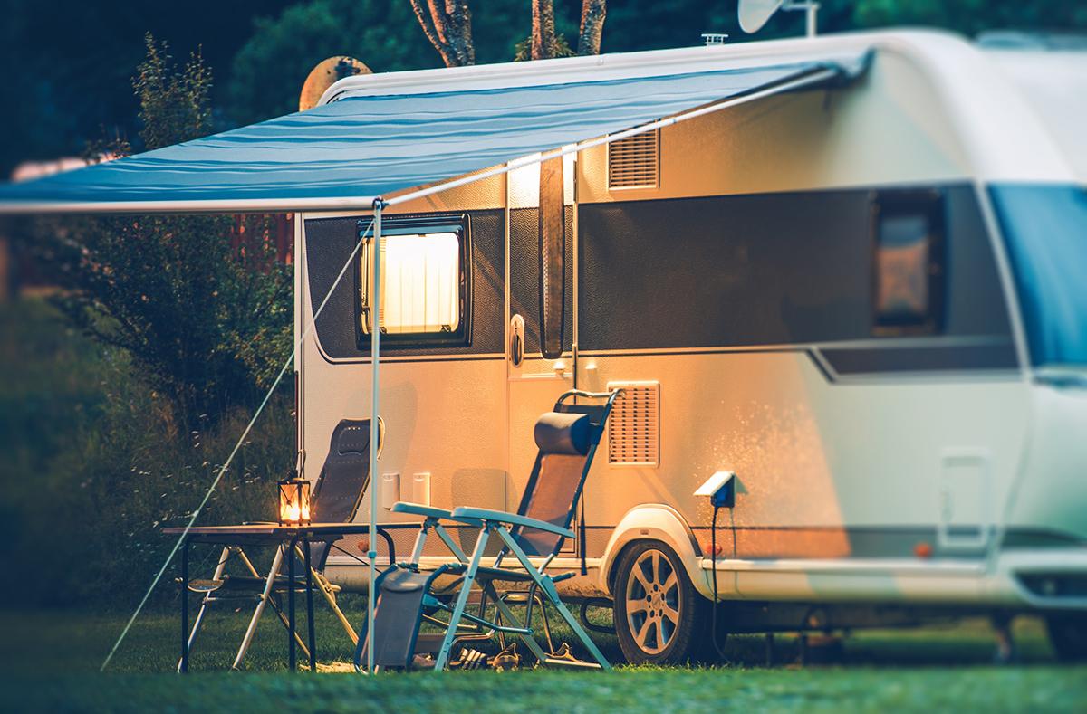 campingplatz f r wohnmobile wohnwagen und zelte mit hotel in berlin. Black Bedroom Furniture Sets. Home Design Ideas